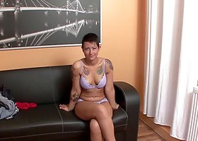 An amateur gets banged on a couch then her bald pussy is jizzed on