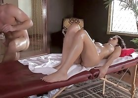 Rich bitch with amazingly juicy ass fucked by a muscled man