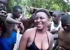 African couple public having sex a Damaris from 1fuckdatecom