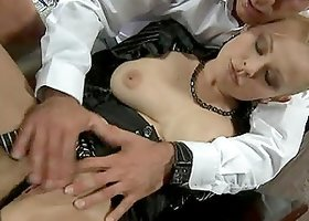 A blonde milf seduces a waiter in the restaurant and corrupts him