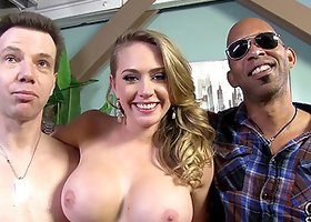 Pre election campaign with a busty Kagney Linn Karter