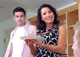 Hot mom, Lezley Zen, deals two cocks in the bedroom