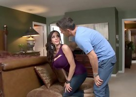 Cougar wife Ariella Ferrera fucked in her pornstar ass